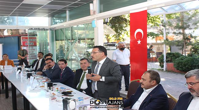 Dinar'da Resmi Bayramlaşma Merasimi Düzenlendi